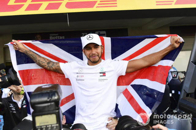 "Lewis Hamilton con Mercedes AMG F1 <span class=""copyright"">Simon Galloway / Motorsport Images</span>"