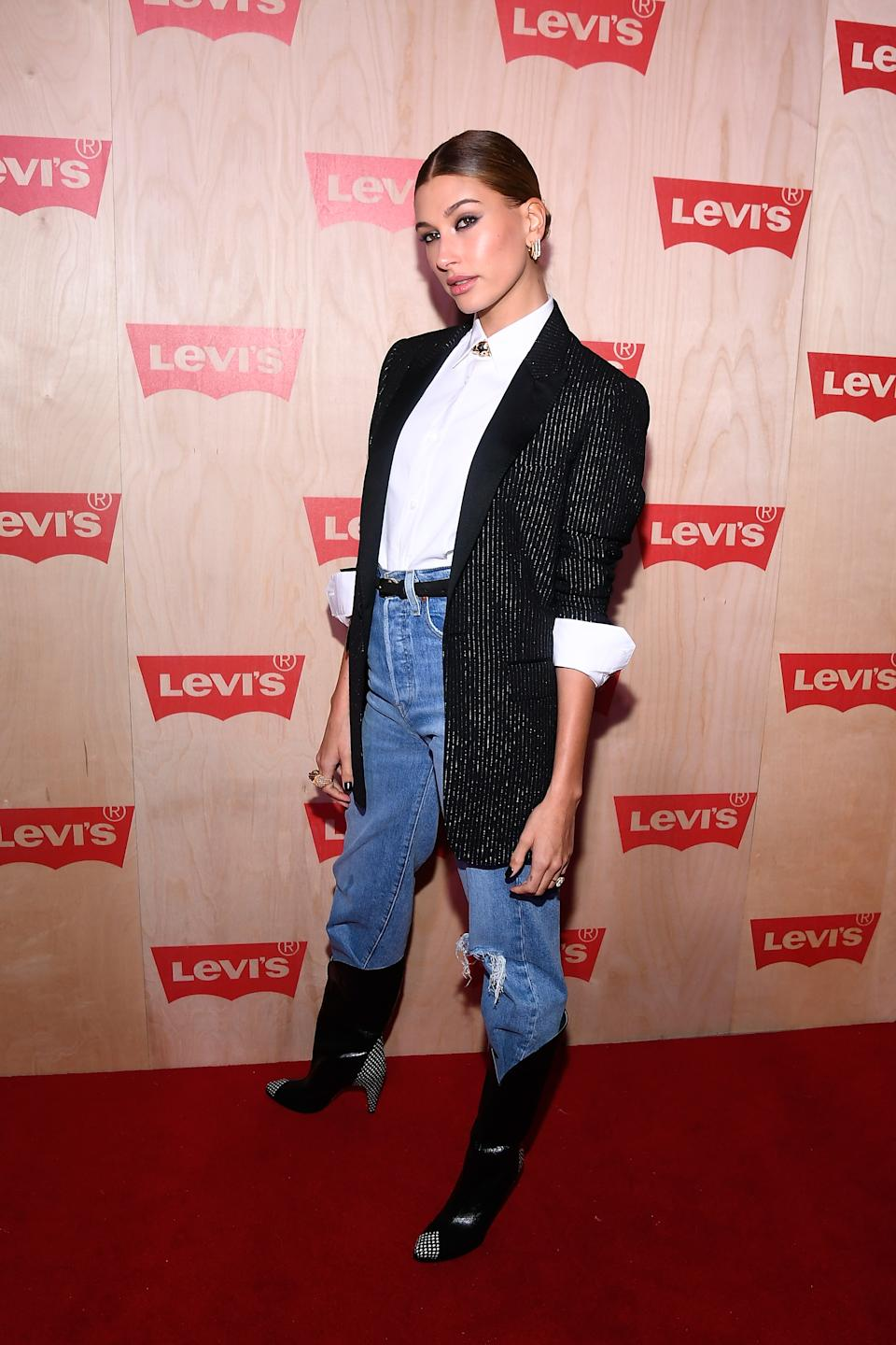 NEW YORK, NY - NOVEMBER 15:  Hailey Baldwin attends the Levi's Times Square Store Opening on November 15, 2018 in New York City.  (Photo by Dave Kotinsky/Getty Images for Levis)
