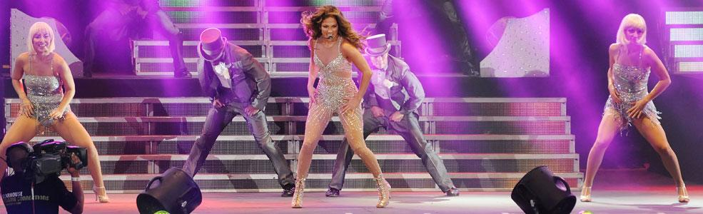 American diva JLo's long awaited visit to the Middle East lived up to all expectations as she pranced and danced her way through a two hour set before a sell out Dubai audience. Photo: Peter Harrison/Yahoo! Maktoob