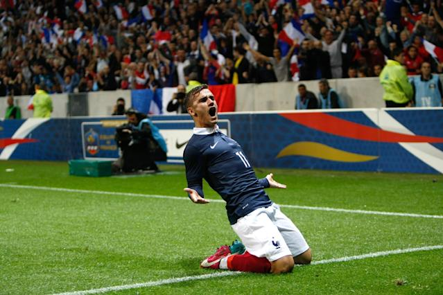 France held to 1-1 draw after Paraguay's late goal