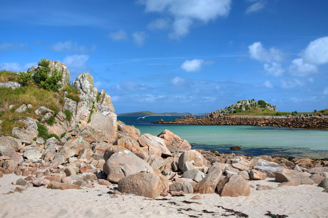 <p>A sandy stretch linking the islands of St Agnes and Gugh, the Bar is covered by the sea at high tide. It stands out from other beaches in Scilly for its two sides - one facing the harbour and the other looking south.</p>