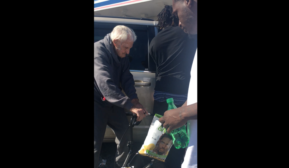 David and Rose Griest, ages 100 and 89 respectively, were struggling outside of a Florida gas station when a group of men rushed over to help. (Kanesha Carnegie via Facebook)