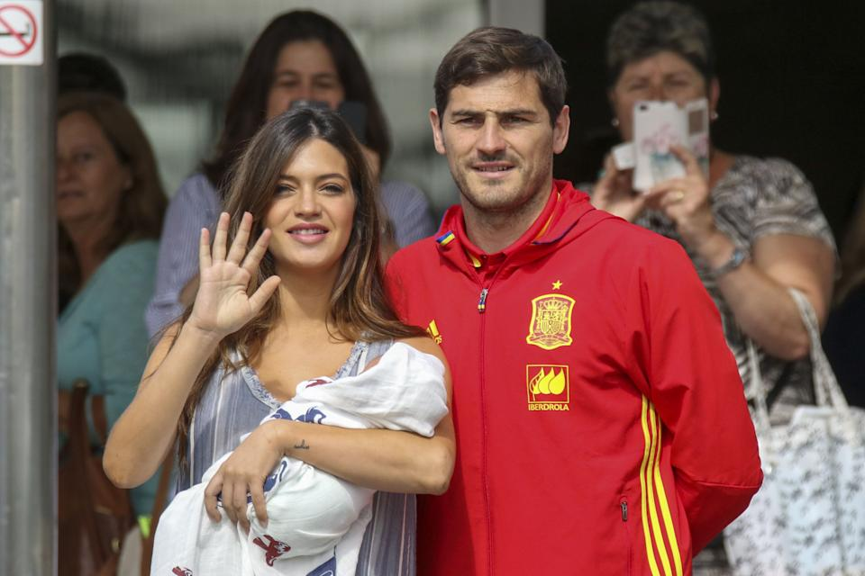 MADRID, SPAIN - JUNE 06:  Porto goalkeeper Iker Casillas and Sara Carbonero present their newborn child Lucas at Ruber International Hospital on June 6, 2016 in Madrid, Spain.  (Photo by Europa Press/Europa Press via Getty Images)