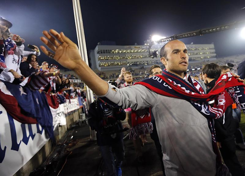 Tears & hugs but no goal for Donovan in US finale