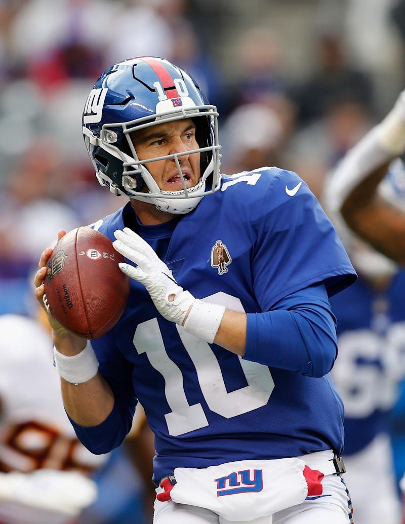 EAST RUTHERFORD, NJ - OCTOBER 28: (NEW YORK DAILIES OUT) Eli Manning #10 of the New York Giants in action against the Washington Redskins on October 28, 2018 at MetLife Stadium in East Rutherford, New Jersey. The Redskins defeated the Giants 20-13. (Photo by Jim McIsaac/Getty Images)