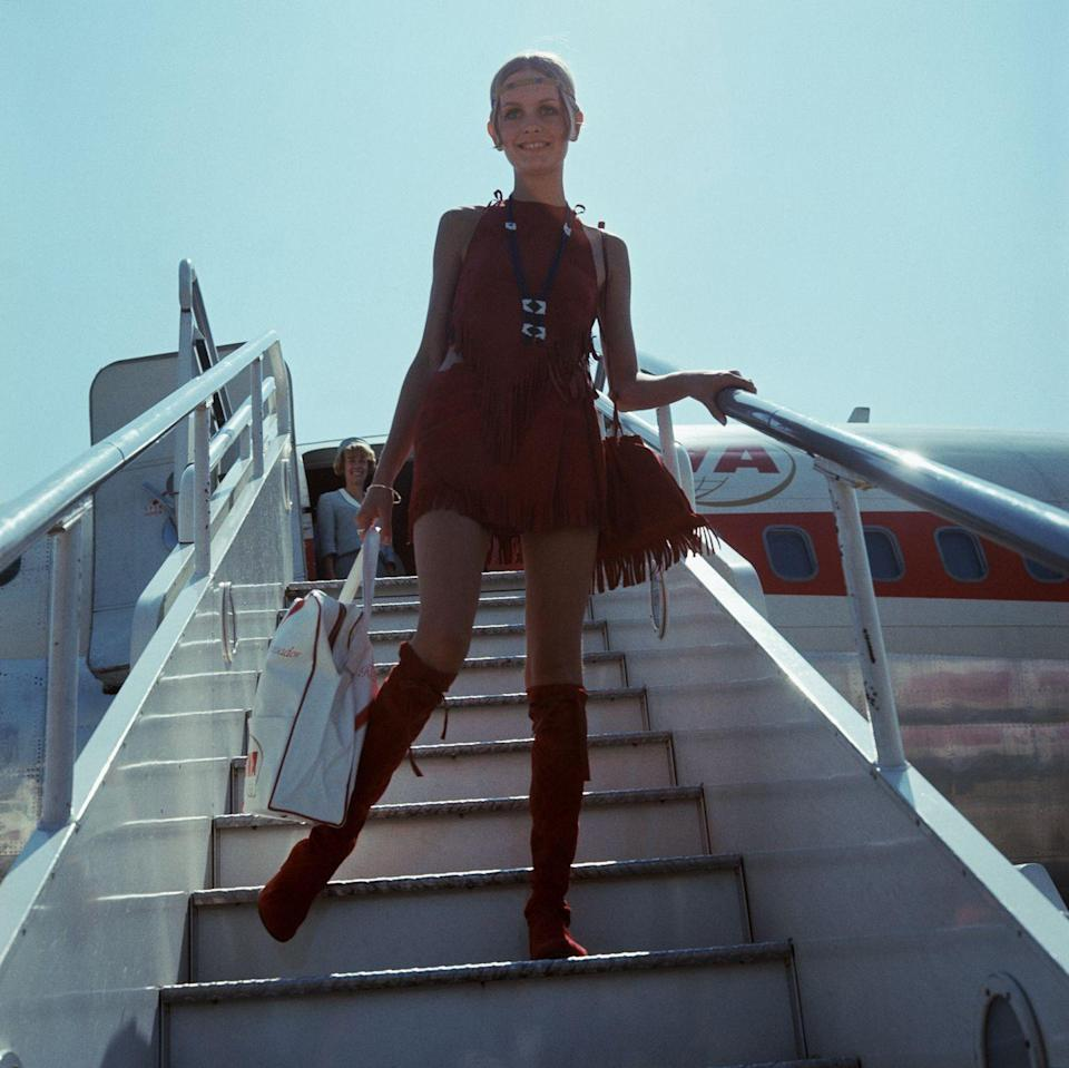<p>Twiggy makes a case for the coolest airport style.</p>