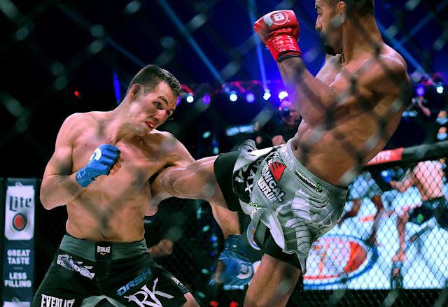 Rory MacDonald (L) and Douglas Lima in their Welterweight World Title fight at Bellator 192 at The Forum on January 20, 2018 in Inglewood, California. MacDonald won by decision. (Getty Images)