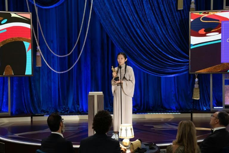 The dim lighting inside Union Station sometimes made for awkward moments during the Oscars
