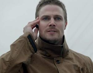 Exclusive Arrow Video: Watch Oliver Leap Across the City — and Lose His Temper With Felicity!