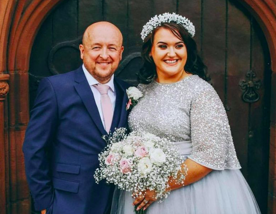 Toni Standen's friends contributed thousands to pay for her dream wedding. (Reach)