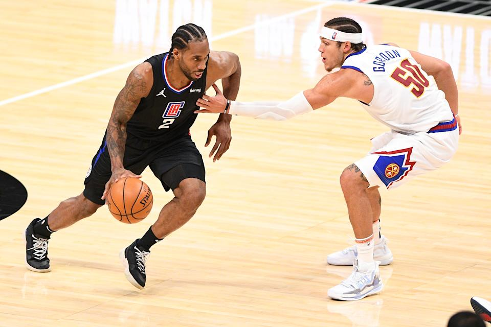 Aaron Gordon單防Kawhi Leonard。(Photo by Brian Rothmuller/Icon Sportswire via Getty Images)