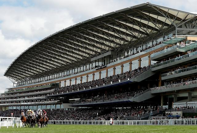 Horse Racing - Royal Ascot - Ascot Racecourse, Ascot, Britain - June 20, 2018 General view during 3.05 Queen's Vase Action Images via Reuters/Andrew Boyers TPX IMAGES OF THE DAY