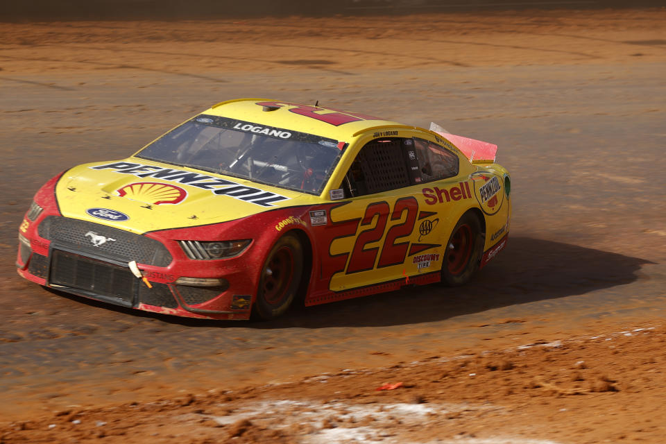 BRISTOL, TENNESSEE - MARCH 29: Joey Logano, driver of the #22 Shell Pennzoil Ford, drives during the NASCAR Cup Series Food City Dirt Race at Bristol Motor Speedway on March 29, 2021 in Bristol, Tennessee. (Photo by Chris Graythen/Getty Images)