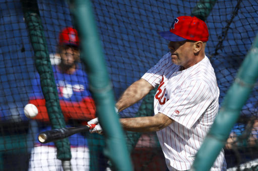 Bruce Willis' Phillies First Pitch Didn't Go as Planned