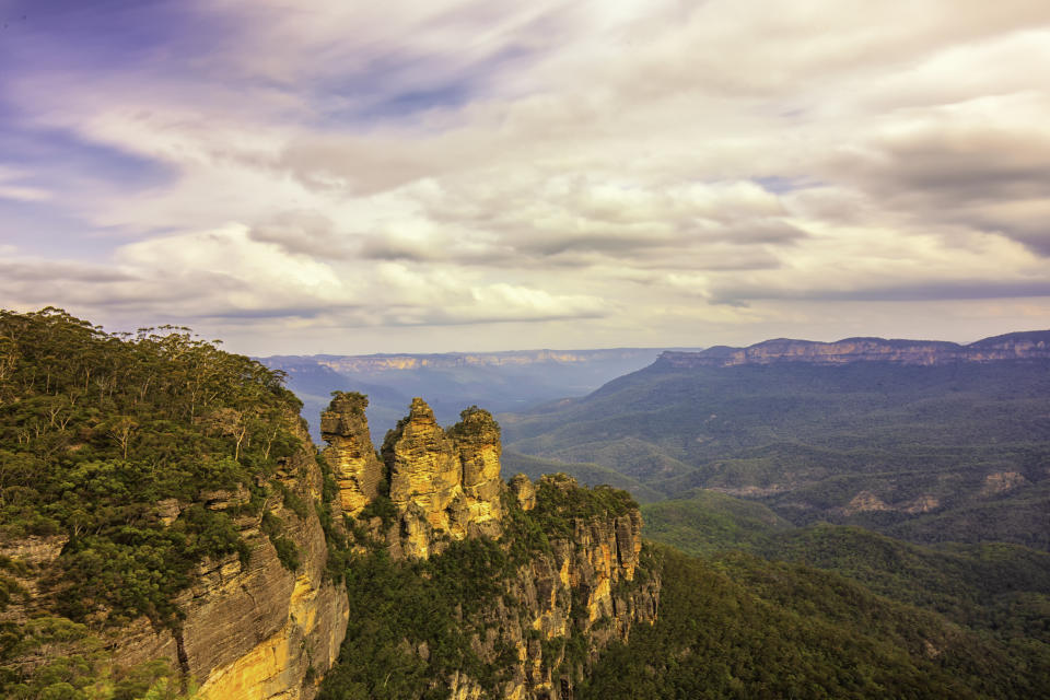 The Three Sisters From Echo View Point, Blue Mountains National Park, New South Wales, Australia
