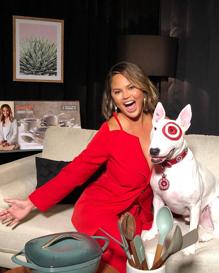 <p>Chrissy Teigen a récemment confié avoir mangé son placenta, après la naissance de son deuxième enfant, pour enrayer une possible nouvelle dépression post-partum. Crédit photo : Instagram chrissyteigen </p>