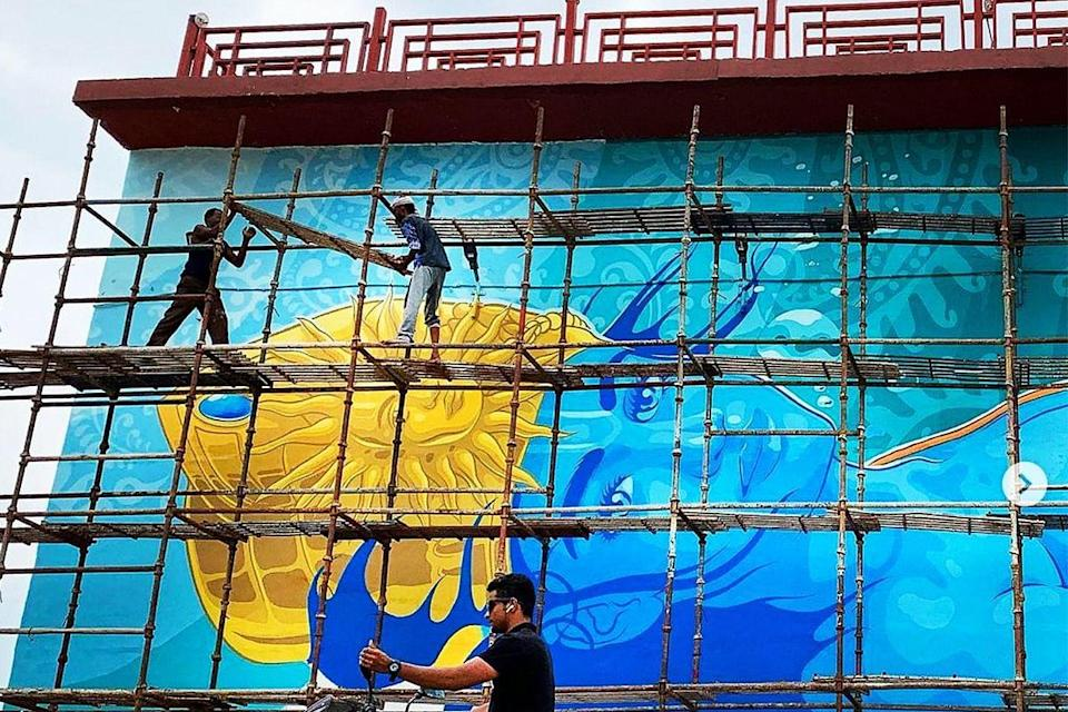 The mural in the making
