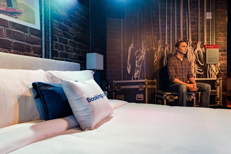Sleep next to Jim Parsons at Madame Tussauds Orlando. (Booking.com)