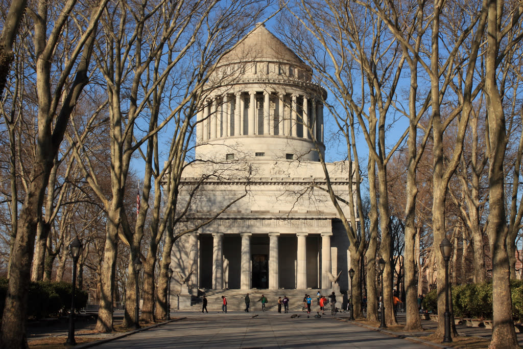 """<p>Duncan also designed Grant's Tomb, on the Upper West Side. (<a href=""""http://bit.ly/1K3MA0u"""">Flickr photo by Karthik Tripurari</a>)<br /></p>"""