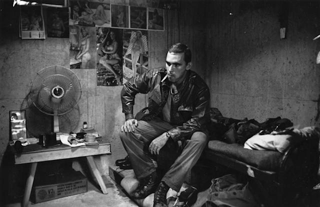 <p>2nd Lieutenant Franc Barringer sitting on his bed in camp in Vietnam. (Photo: Terry Fincher/Daily Express/Hulton Archive/Getty Images) </p>