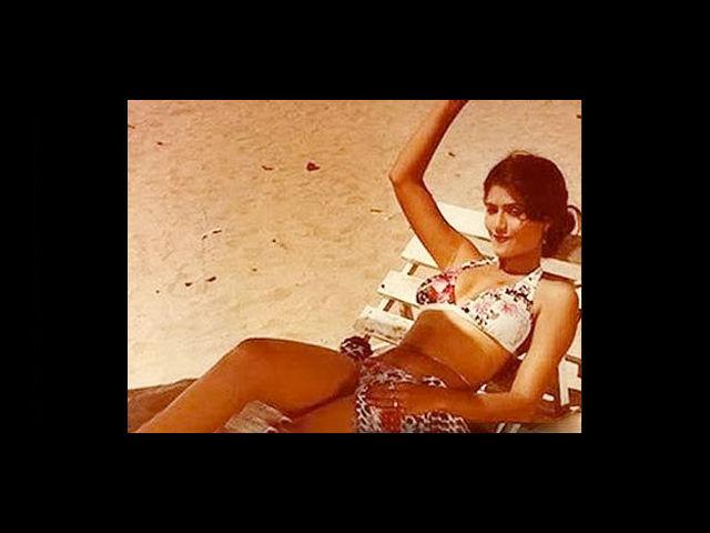 Sarika had a great figure, and she never shied away from flaunting her assets. She wore bikini in some movies, much to the delight of the audiences.