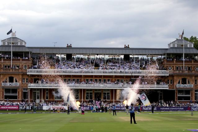 BBC in talks to show live cricket on TV for first time since 1998