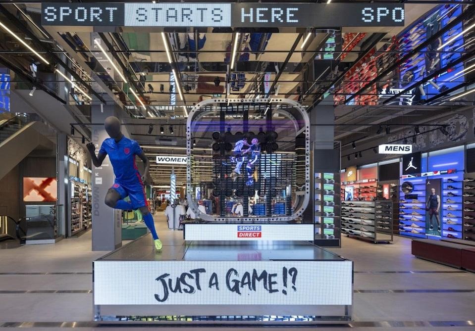 Sports Direct's Oxford Street flagship includes a hologram at the entrance (Sports Direct)