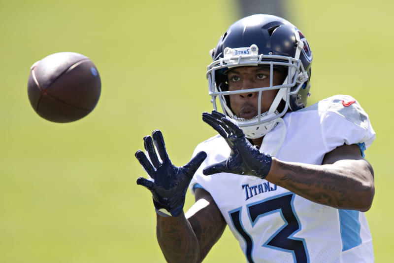 Titans elevate 3 players from practice squad for Week 6