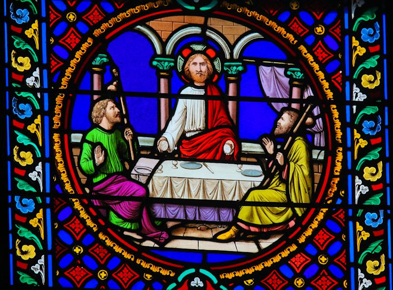 Stained glass in the Chapel of Notre-Dame des flots (1857) in Sainte Adresse, France, depicting The Supper at Emmaus (Getty)