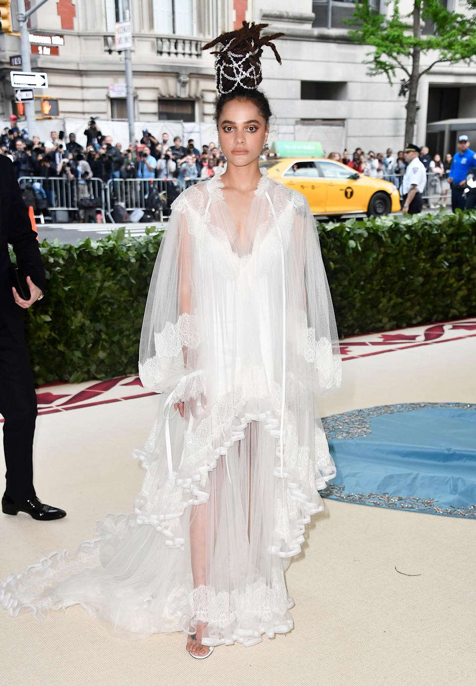 """<h1 class=""""title"""">Sasha Lane in Tory Burch and Tamara Mellon shoes</h1><cite class=""""credit"""">Photo: Getty Images</cite>"""