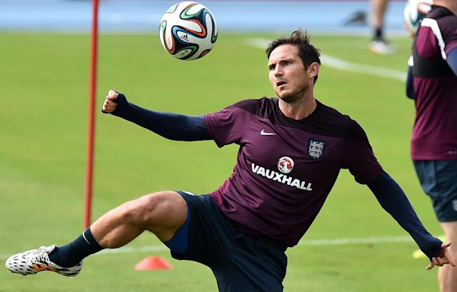 England midfielder Frank Lampard attends a training session at the Urca military base in Rio de Janeiro on June 21, 2014, during the 2014 World Cup (AFP Photo/Ben Stansall)