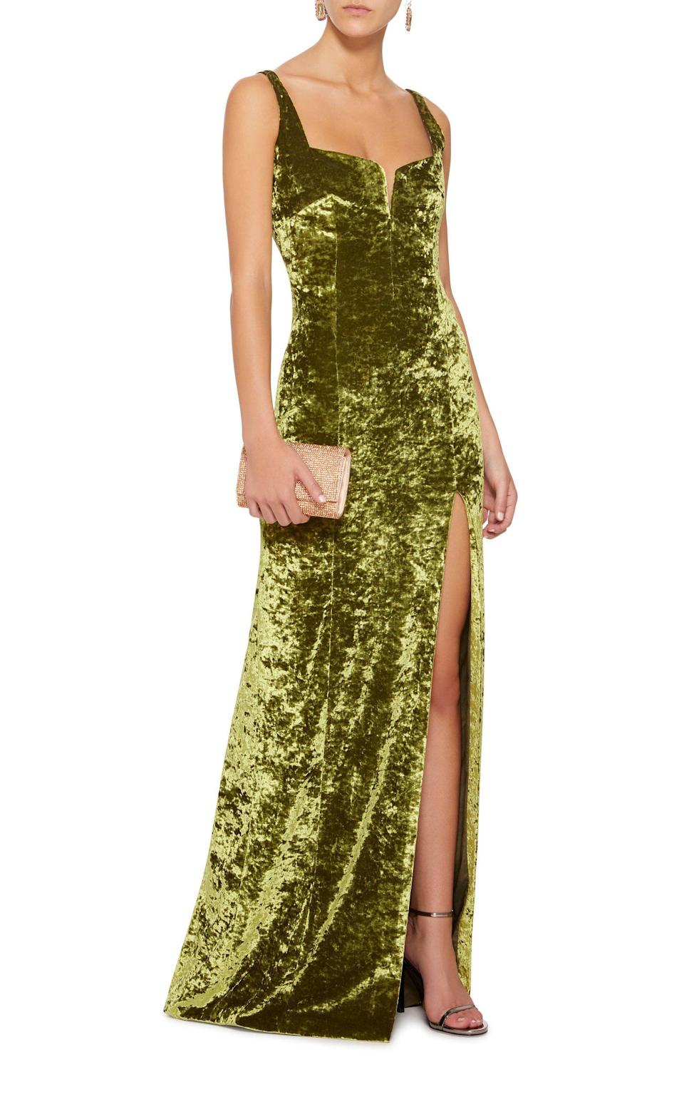 Dream wedding guest dress right here. Available in sizes 34 to 40.