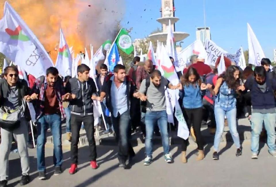 This video grab image shows the moment one of two blasts ripped through a peace rally in Ankara on October 10, 2015 in modern Turkey's deadliest ever attack (AFP Photo/)