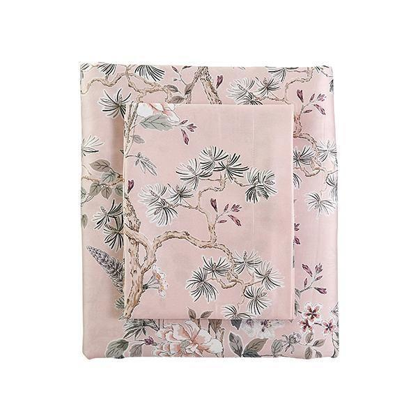 "<p><strong>Caitlin Wilson</strong></p><p>caitlinwilson.com</p><p><strong>$288.00</strong></p><p><a href=""https://caitlinwilson.com/products/floral-duvet-cover"" rel=""nofollow noopener"" target=""_blank"" data-ylk=""slk:Shop Now"" class=""link rapid-noclick-resp"">Shop Now</a></p><p>Not only does this duvet cover feature a perfect, dainty chinoiserie print, it's also made of the most divine sateen you can find.</p>"