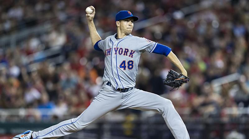 Mets' deGrom gets Cy with record-low wins; Snell takes AL honor