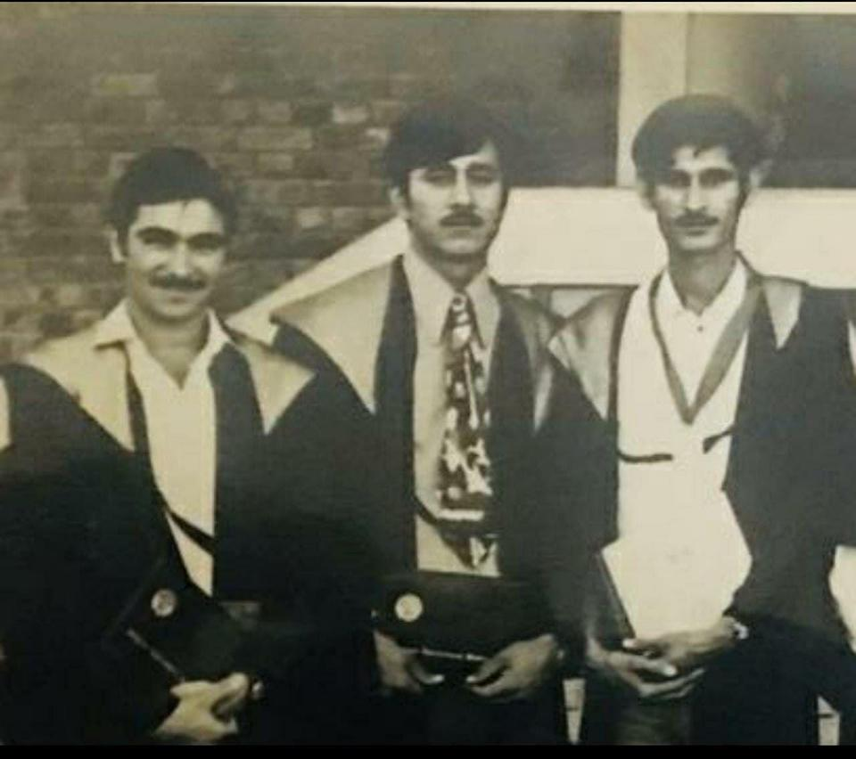 On the left most is Inderjit Singh, Mahavir's roommate, friend, comrade and on the right most is Mahavir Narwal. Singh says this image is from their graduation at the Haryana Agriculture Univeristy.