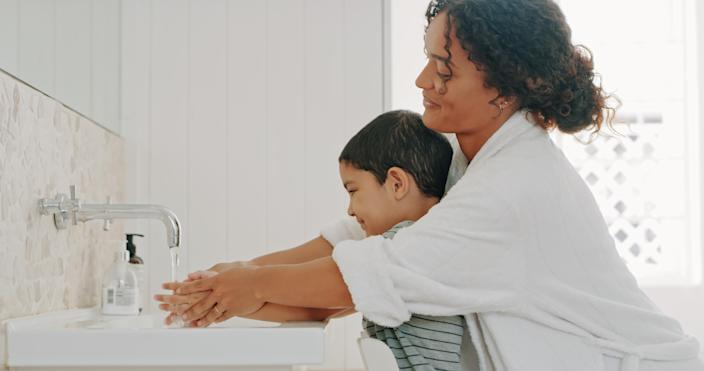 Hand washing is the best way to prevent the spread of germs. (Photo: Getty Images)