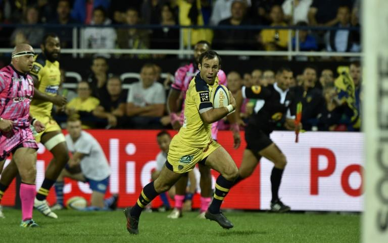 Clermont scrum-half Morgan Parra made his first start of the season and scored a try against Stade Francais