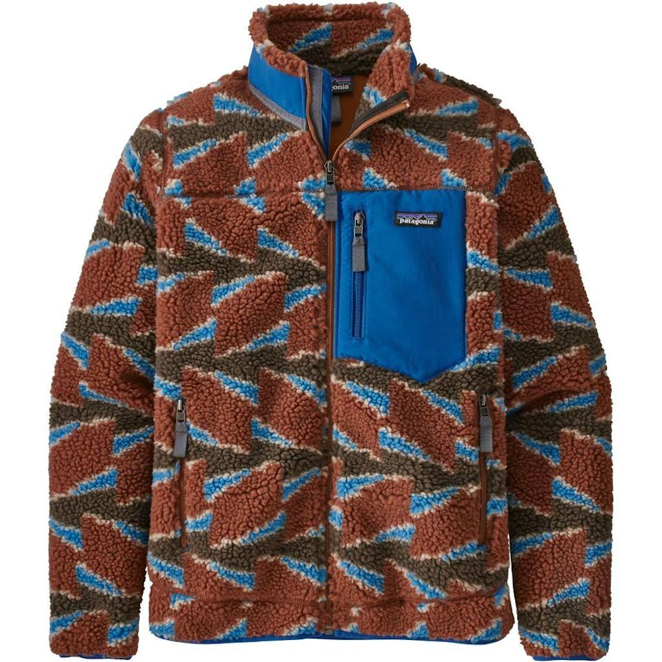 patagonia, patagonia fleece, hiking, 2020 fashion trends