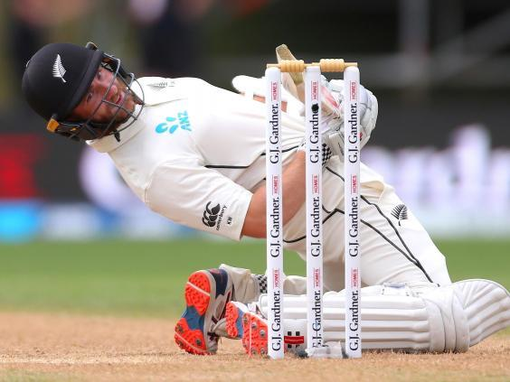 Kane Williamson dodges a short ball from Jofra Archer (Getty)
