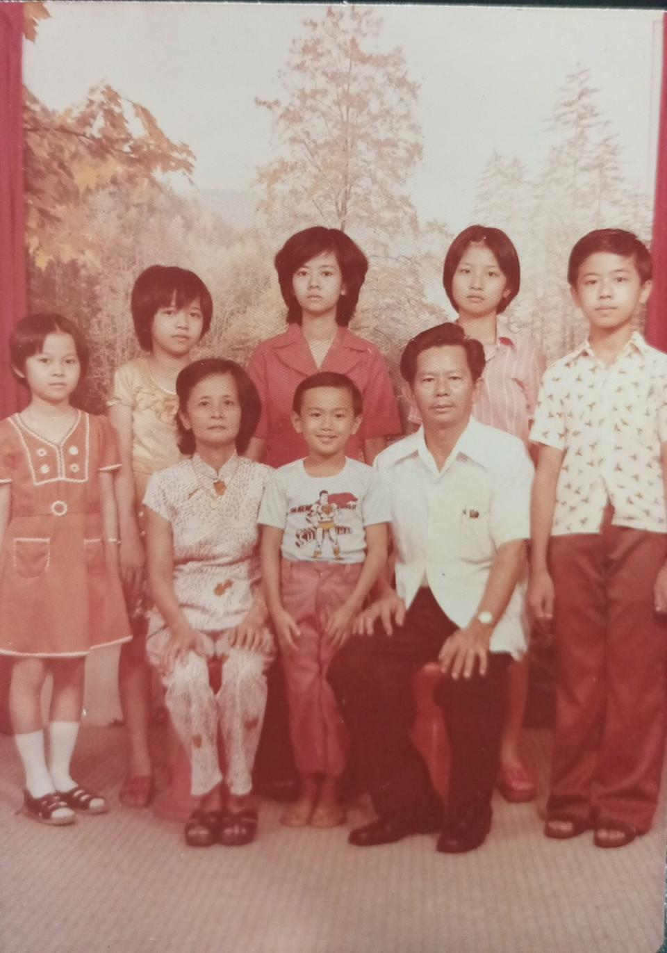 The late Tan Tiong How with his six children in 1973. (PHOTO: Ken Koh)