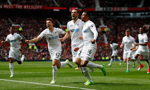 "<span class=""element-image__caption"">Swansea's players celebrated Gylfi Sigurdsson's brilliant equaliser but their manager Paul Clement disputed Manchester United's first goal.</span> <span class=""element-image__credit"">Photograph: Jason Cairnduff/Reuters</span>"