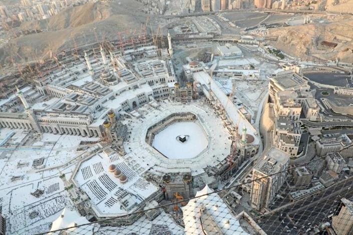 In another measure to limit contagion during religious gatherings, Saudi Arabia emptied Islam's holiest site in Mecca to sterilise it (AFP Photo/Bandar ALDANDANI)
