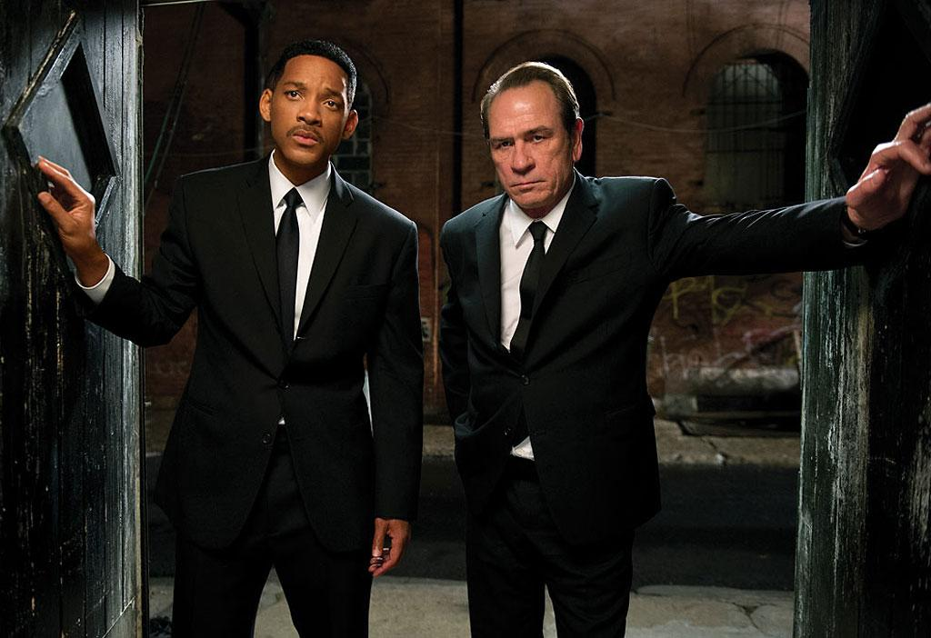 "12. <a href=""http://movies.yahoo.com/movie/men-in-black-iii-2012/"">Men in Black 3</a><br>Total Gross: $179,020,854"