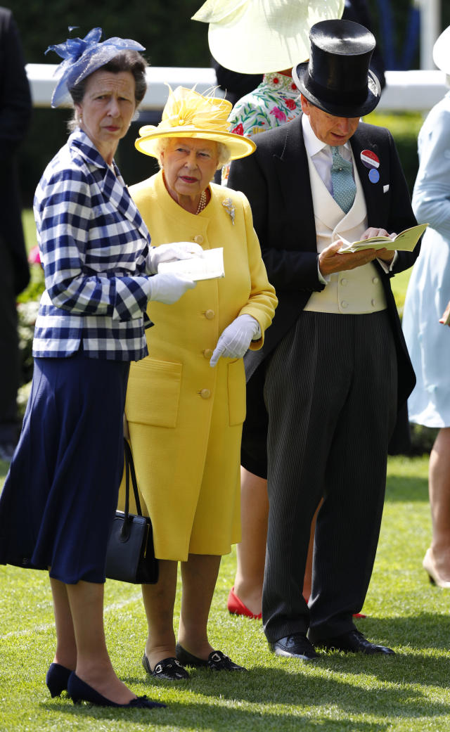 Britain Horse Racing - Royal Ascot - Ascot Racecourse - June 21, 2017 Britain's Queen Elizabeth II with Princess Anne and Bloodstock and Racing Advisor John Warren before the 2.30 Jersey Stakes REUTERS/Eddie Keogh Livepic