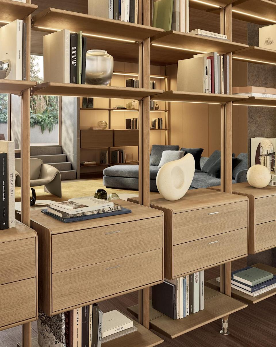 """<p>The Lexington system has strong architectural connotations, it consists of an upright system onto which shelves, drawers, and other components can be fitted to create wardrobe systems for the night area and bookshelves for the day area.</p><p>Discover the Collection: <a href=""""https://www.poliform.it/en/products/lexington/"""" rel=""""nofollow noopener"""" target=""""_blank"""" data-ylk=""""slk:poliform.com"""" class=""""link rapid-noclick-resp"""">poliform.com </a></p>"""