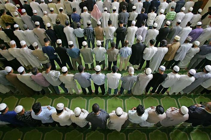 Worshippers at the East London Mosque, which is billed as having Britain's largest Muslim congregation (AFP Photo/Odd Andersen)