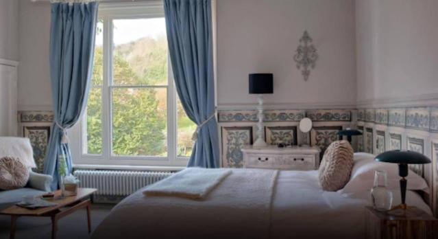 The Old Rectory in Hastings offers elegant guest rooms. (Booking.com)