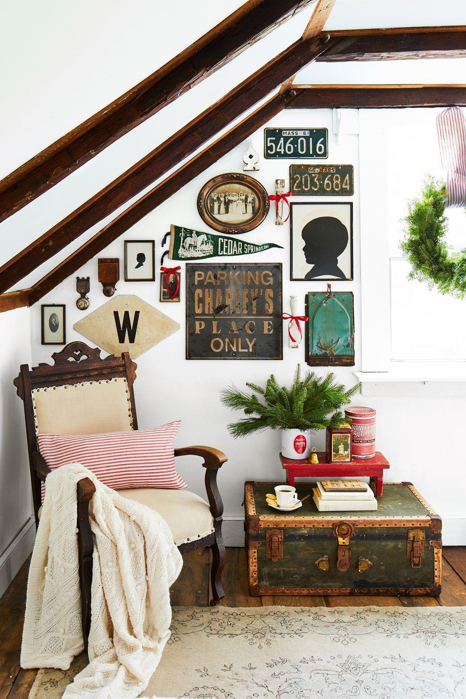 <p>Play up your love of all things vintage by displaying your favorite curios, whether it's a decorative trunk or signage that can add character to a gallery wall. <br></p>