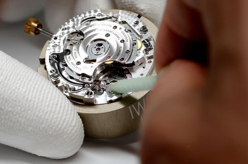 Swatch Group free to supply watch movements: Swiss watchdog